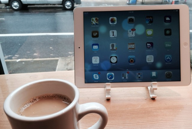 iPad_Air_on_stand_with_Coffee